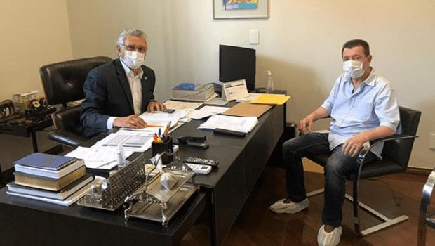 José Nelto se reúne com Caiado para tratar de medidas contra Covid-19