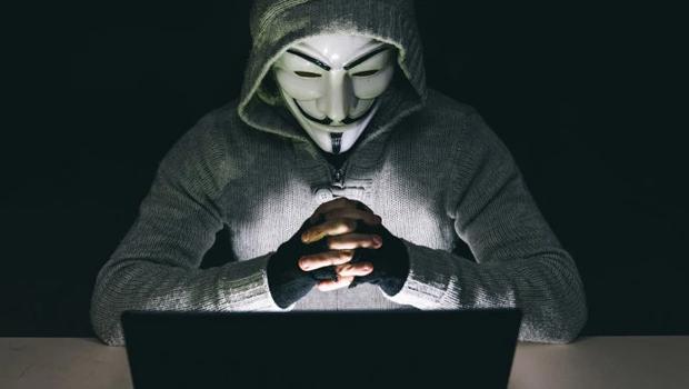 Anonymous ameaça divulgar vídeos de policiais corruptos nos EUA, após assassinato de George Floyd