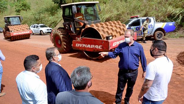 Governador Carlesse fiscaliza obras de reconstrução da TO-080 entre Palmas e Paraíso