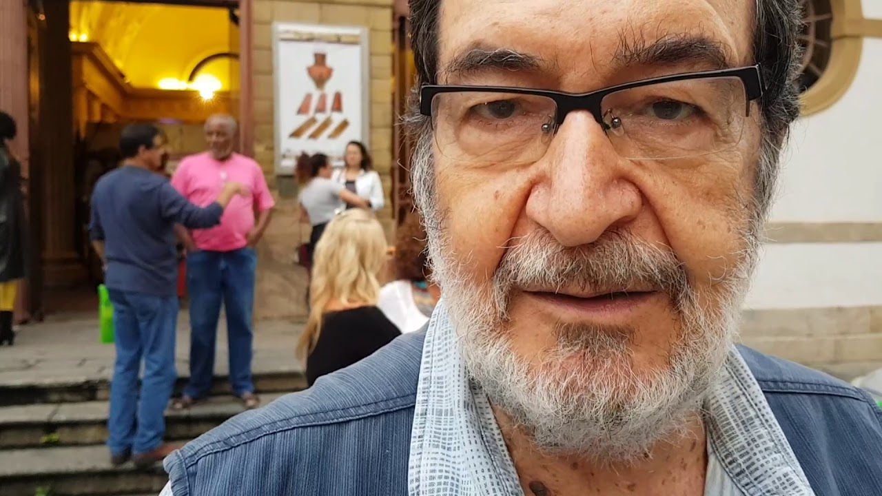 Morre o produtor de cinema, diretor de teatro e jornalista Jesus Chediak. Tinha Covid-19