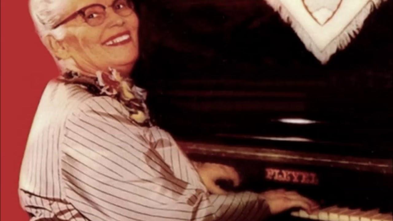 Tia Amélia, diva do piano, tocou para o presidente Roosevelt e morreu em Goiânia