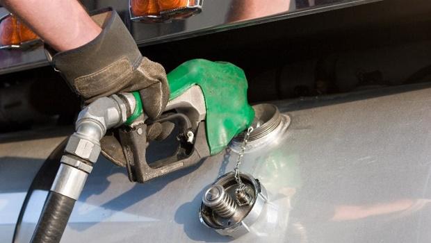 Combustíveis em Goiânia são vendidos por preços em média 2,16% maior do que define tabela do PMPF
