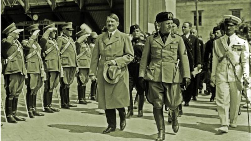 O perigoso gás da bajulação que intoxicou Mussolini continua afetando políticos atuais