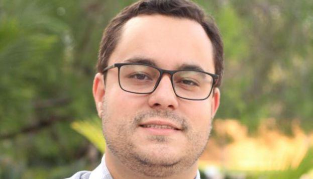 Aposta de renovação na Câmara de Goiânia, Tales de Castro ganha apoio de partidos