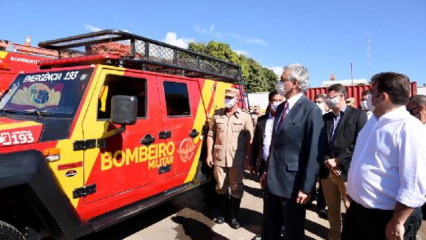 Corpo de Bombeiros de Anápolis recebe novas viaturas e equipamentos do Governo Estadual