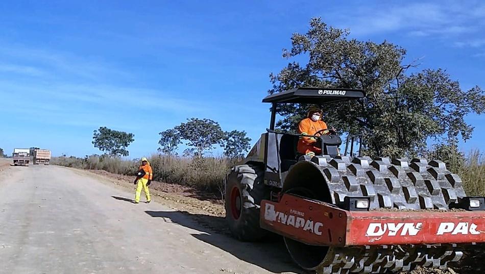 Frentes de serviço realizam reparos e manutenção em várias rodovias goianas