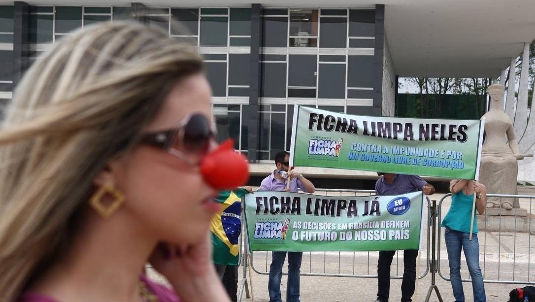 Lei da Ficha Limpa presta, em dez anos de engodo, um desserviço à democracia