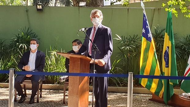 Caiado diz que falta de profissionais impede aumento da estrutura hospitalar em Goiás