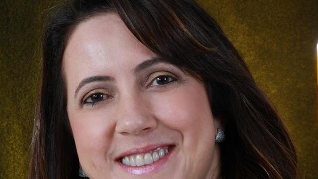 Professora Deusmara Vieira, do PSB, é cotada para vice de Osvaldo Júnior em Rio Verde