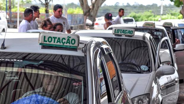 CCJ da Câmara derruba veto de Iris ao PL que institui serviço de táxi-lotação na capital
