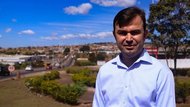 Jones Rodrigues aparece em 2º em pesquisa e polariza eleições municipais em Nerópolis