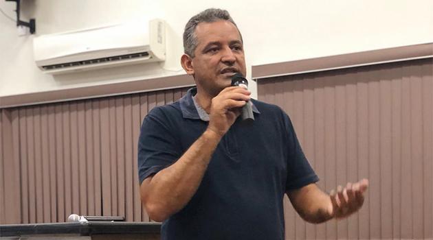 Prefeito de Posse consegue liminar para divulgar informações sobre Covid-19 em rádio local