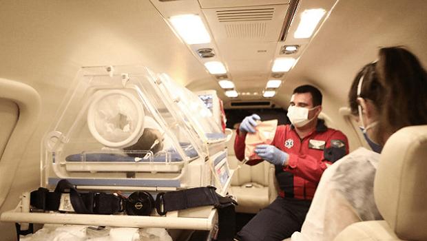 Recém-nascido com doença cardíaca rara é transferido para tratamento em São Paulo