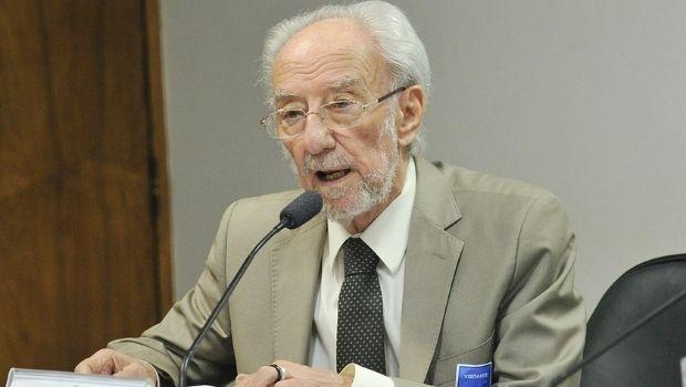 Aos 86 anos, morre jornalista Washington Novaes
