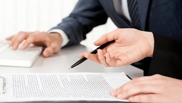 Entra em vigor lei que dispensa licitação para contratação de advogado e contador