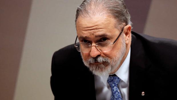 Aras admite possibilidade de ser indicado ao STF, mas vê conflito entre cargos