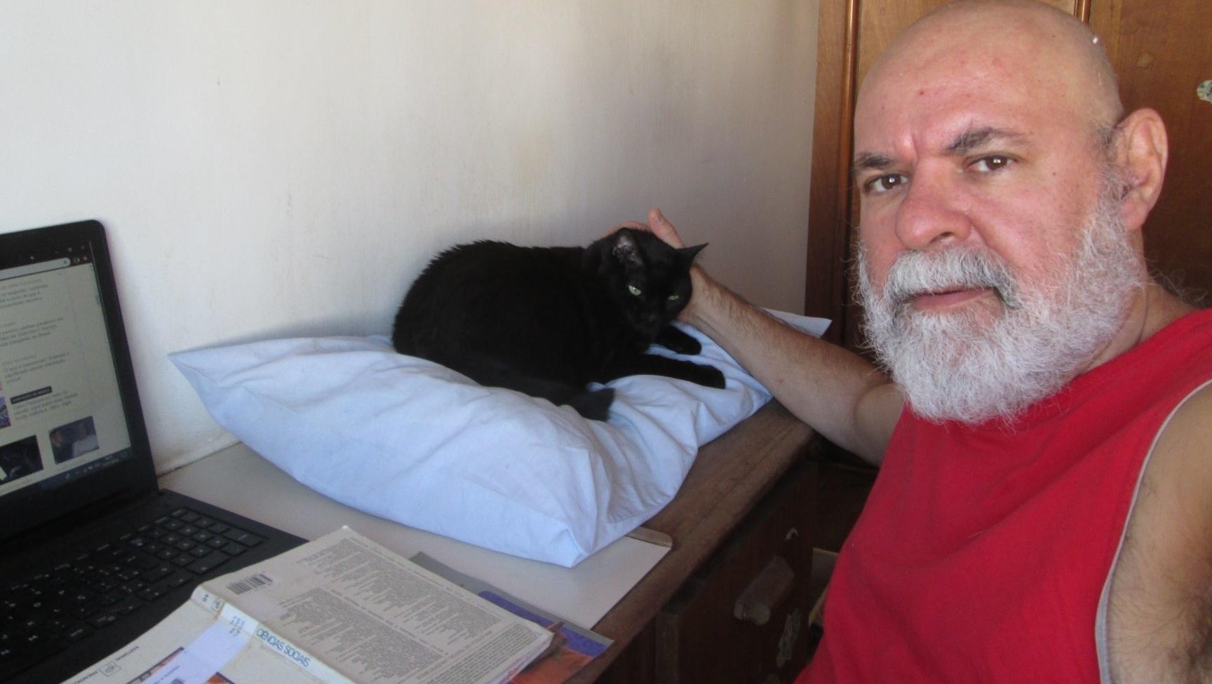 Goiano ganha prêmio de literatura da Livraria Lello de Porto, Portugal