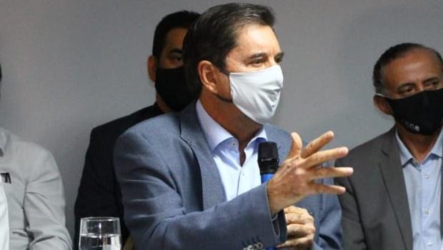 Prefeito eleito Maguito Vilela segue estável, mas ainda precisa da ajuda de aparelhos