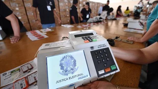 Quantidade expressiva de votos brancos e nulos pode se justificar por rejeição dos candidatos ao PT
