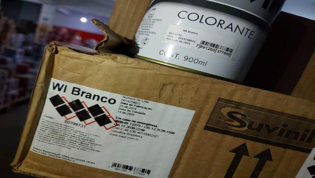 Loja de tintas adulterava embalagens e colocava para a venda produtos vencidos
