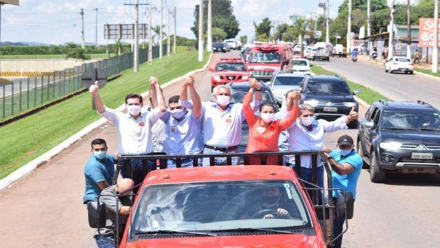 Caiado sai em carreata em Itaberaí e declara apoio a Rita de Cássia e Miguelzinho Baiano