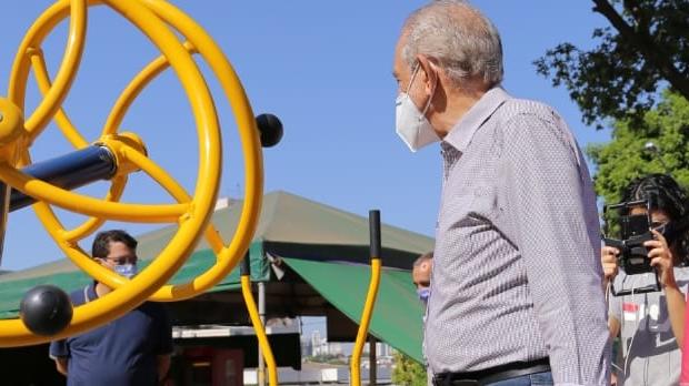 Iris inaugura algumas das 70 obras de revitalização em praças de Goiânia