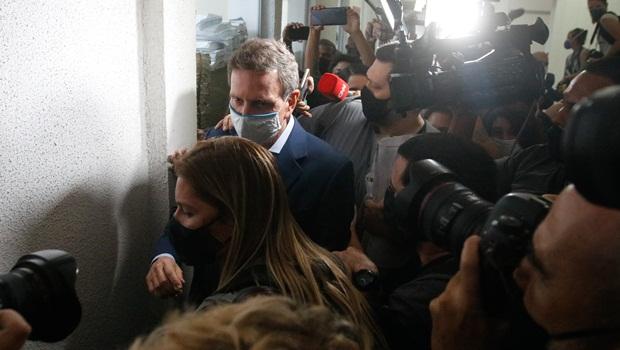 Em exercício de futurologia, desembargadora manda prender Crivella para evitar crimes depois do mandato
