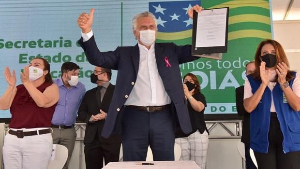 Governo de Goiás investe R$ 92 milhões em bônus aos servidores da Educação na folha de dezembro