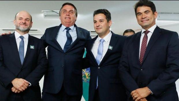 Em evento presencial, Bolsonaro reconduz Vicente Lopes ao cargo de juiz do TRE-GO