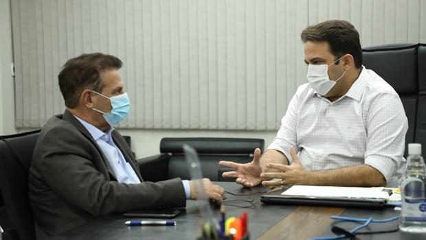 Roberto Naves e Vanderlan Cardoso se reúnem para debater criação de um consórcio intermunicipal para saúde