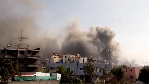 Incêndio atinge fábrica de vacinas contra Covid-19 na Índia