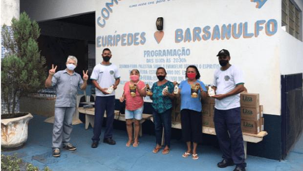 Mesa Brasil entrega 300 quilos de alimentos a instituição beneficente