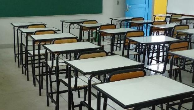 Escolas estaduais retomam aulas presenciais em 8% das unidades nesta segunda, 25