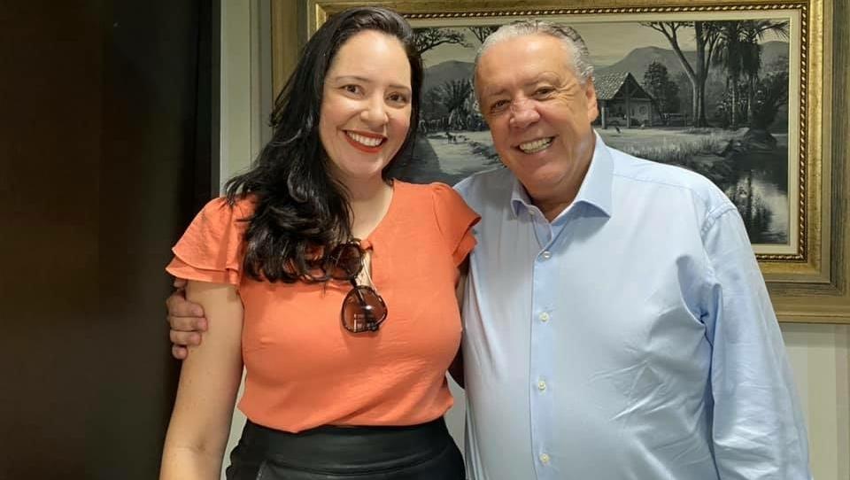 Prefeita de São João D'Aliança troca o PL pelo Democratas