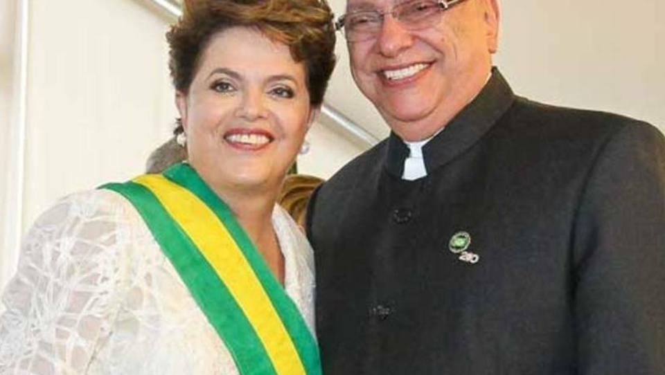 Golpe do Paraguai em Itaipu, com ajuda do PT, gerou prejuízo de 2 bilhões de dólares pro Brasil