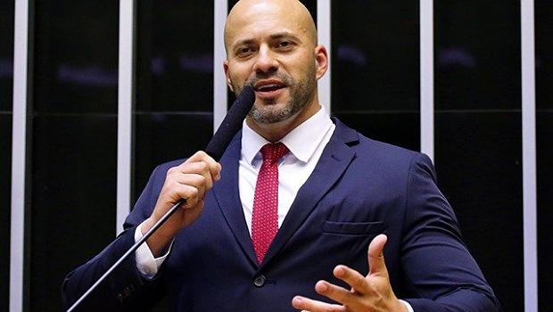 Deputados goianos se posicionam sobre prisão de Daniel Silveira