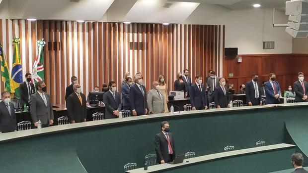 Nova Mesa Diretora é empossada na Assembleia Legislativa de Goiás