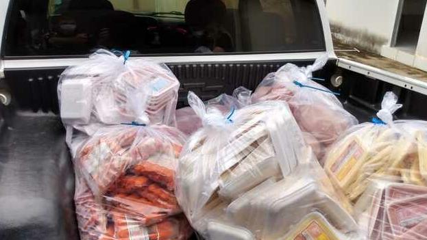 Empresa clandestina de Aparecida usava selo de outras empresas para vender alimentos