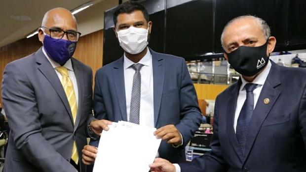"""""""Portas do Paço estão abertas aos vereadores"""", diz prefeito em abertura dos trabalhos na Câmara"""