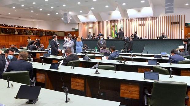 Deputados defendem que o governo de Goiás adquira vacinas contra a Covid-19