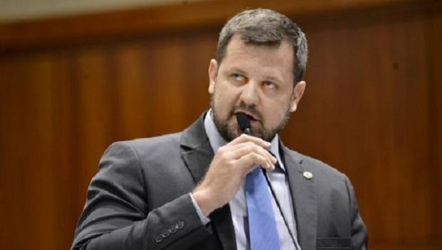 """Ao criticar a manutenção da prisão do deputado Daniel Silveira, Paulo do Trabalho diz: """"Ninguém mais aguenta a ditadura do STF"""""""