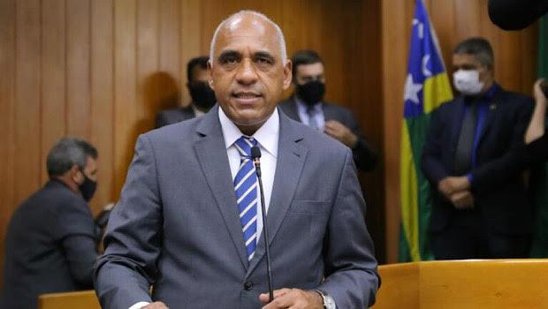 Renda Família municipal no valor de R$300 é sancionada pelo prefeito