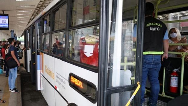 """""""Impossível"""", diz diretor executivo da Redemob sobre ônibus apenas com passageiros sentados"""