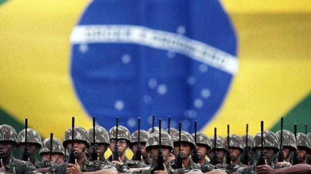 Em nova denúncia à PGR, deputados revelam compra de salmão, filé, bacalhau e uísque para abastecer as Forças Armadas