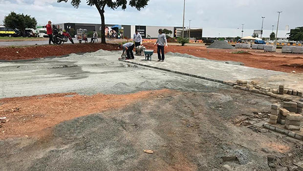 Praça do Trabalhador recebe nova pavimentação