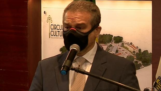 Emocionado, procurador-geral do Município chora e se diz arrasado com situação crítica e desobediência civil