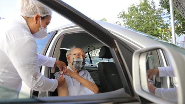 Goiás recebe nova remessa com 76 mil doses da CoronaVac