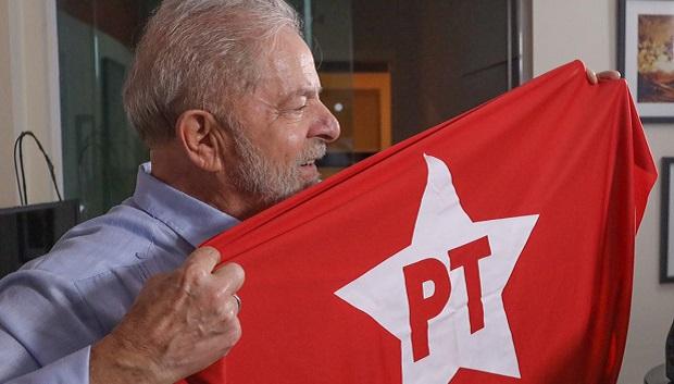 Lula elegível e vacinado fortalece a democracia para as eleições de 2022, analisa cúpula petista