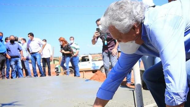 Com investimento de R$ 3,4 milhões, Governo de Goiás inicia construção de moradias em Paraúna