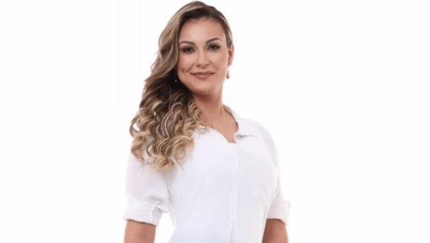 Andressa Urach tem pedido de gratuidade de defesa em processo contra a Igreja Universal negado